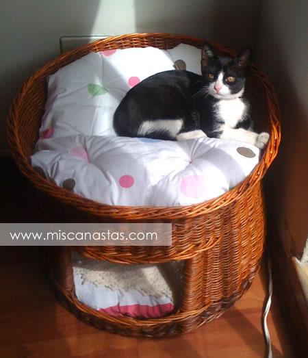 Canastas en mimbre fabricante de articulos en mimbre for Cama para gatos